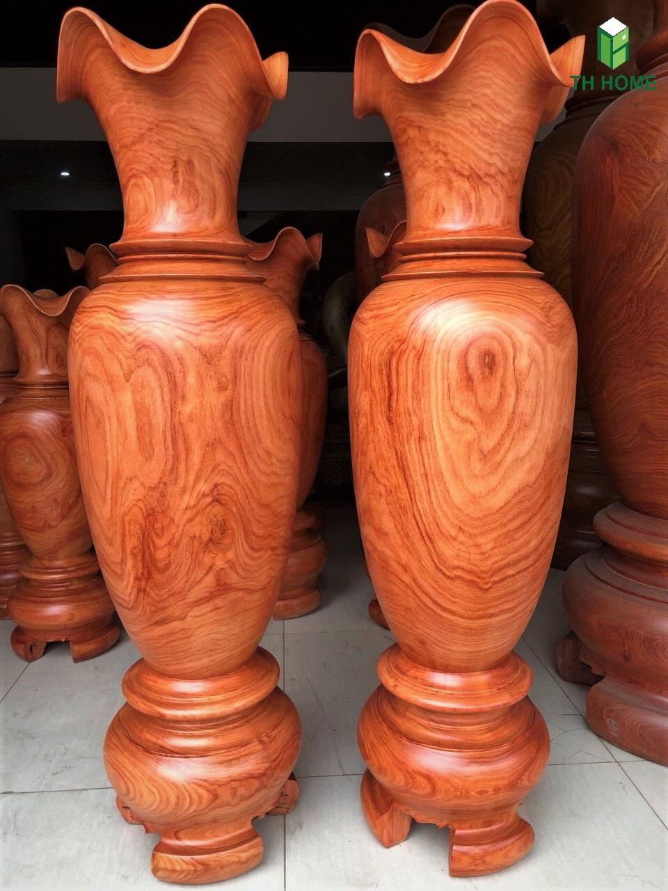 đồ gỗ óc chó với gỗ hương